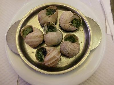 パリでエスカルゴの食事   世界遺産を巡るフランス10日間ツアー ...
