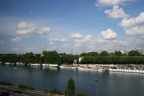 パリのセーヌ河岸の画像 p1_15