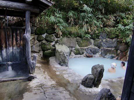 乳頭温泉郷 鶴の湯温泉 混浴 露天風呂 岩手