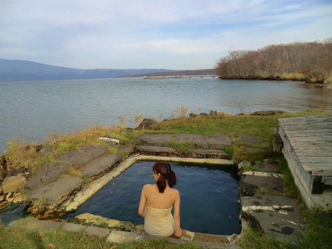 屈斜路湖畔 赤湯 北海道 混浴 露天風呂 無料 画像
