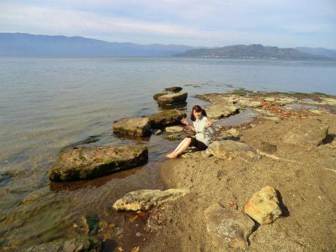 屈斜路湖畔 イソの湯 北海道 混浴 露天風呂 無料 画像