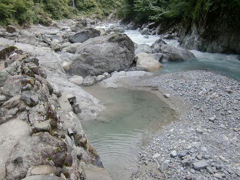 黒薙温泉 野湯 川の湯