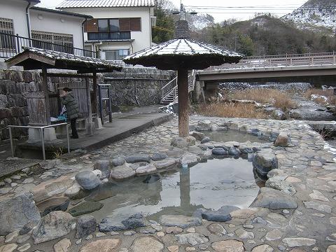 奥津温泉「河原の露天風呂」