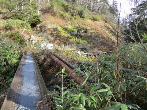 旭岳温泉 岩の湯 北海道 混浴 露天風呂 無料 野天湯 画像
