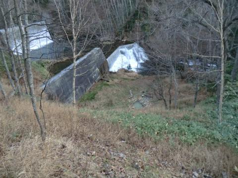 然別峡温泉 ダム下の湯 北海道 混浴 露天風呂 野天湯 画像
