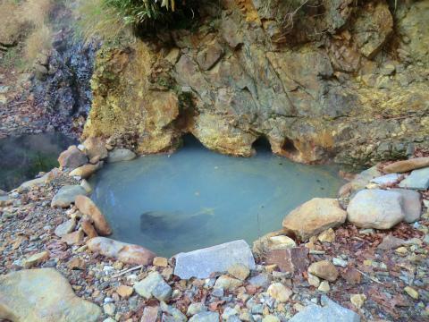 然別峡温泉 崖下の湯 北海道 混浴 露天風呂 無料 画像
