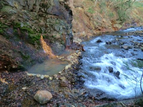 然別峡温泉「ピラの湯」