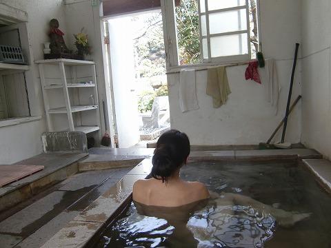 竜巻地獄温泉 長泉寺・薬師湯 共同浴場 大分 金鱗湖 温泉 日帰り入浴 画像