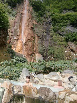 燕温泉 滝見露天風呂 新潟 無料 混浴 日帰り温泉 画像