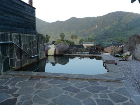 鰻温泉 民宿うなぎ湖畔 鹿児島 混浴 露天風呂 日帰り入浴 温泉 画像