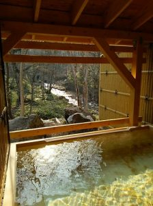 空翠の湯 屋外檜風呂