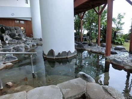 熱川温泉「ホテルカターラリゾート&スパ」の男女別露天風呂
