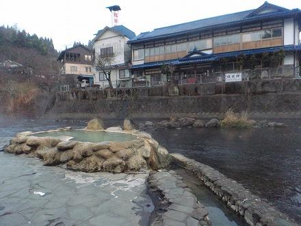 長湯温泉 ガニ湯は川と一体化しているようです