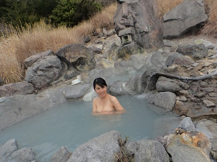 鍋山の湯のお湯は熱めでした