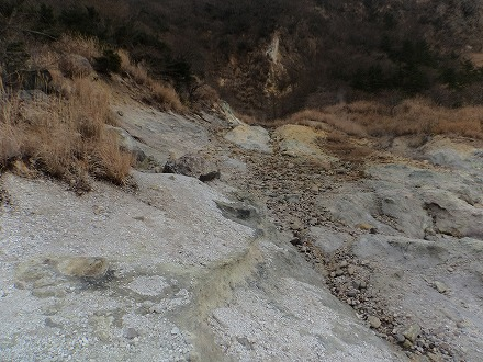 明礬温泉の野湯 泥湯への道のり