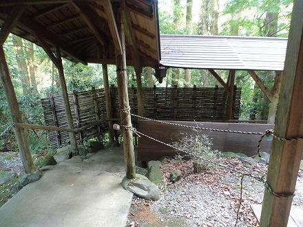 山中温泉「花つばき」の混浴露天風呂 湯畑への道