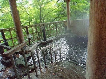 山中温泉「花つばき」の内湯付き男女別露天風呂