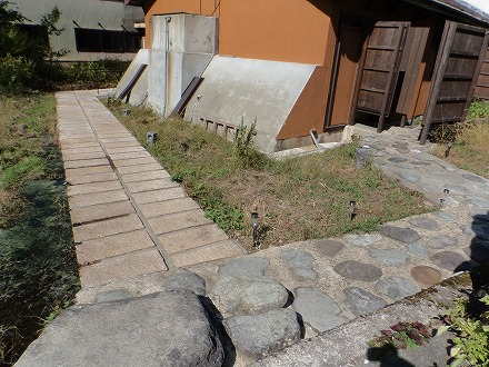 岩間温泉 山崎旅館の露天風呂へ続く通路