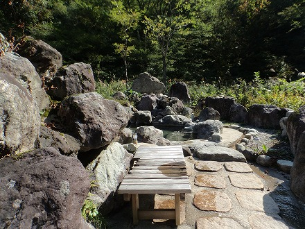 岩間温泉 山崎旅館の露天風呂