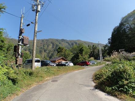 山崎旅館までの山道はスリルがあります